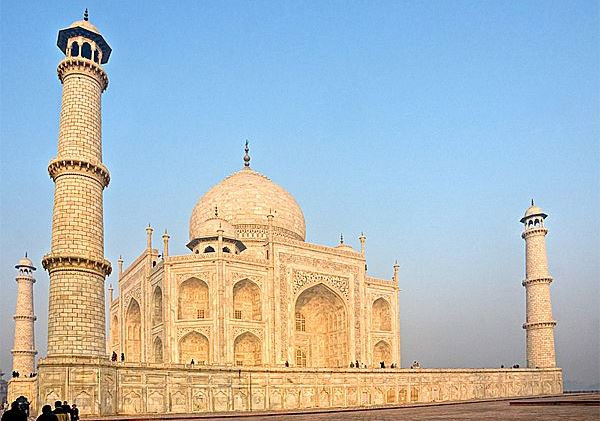 Will Taj Mahal will be open on Friday Night? ReadyClickAndGo