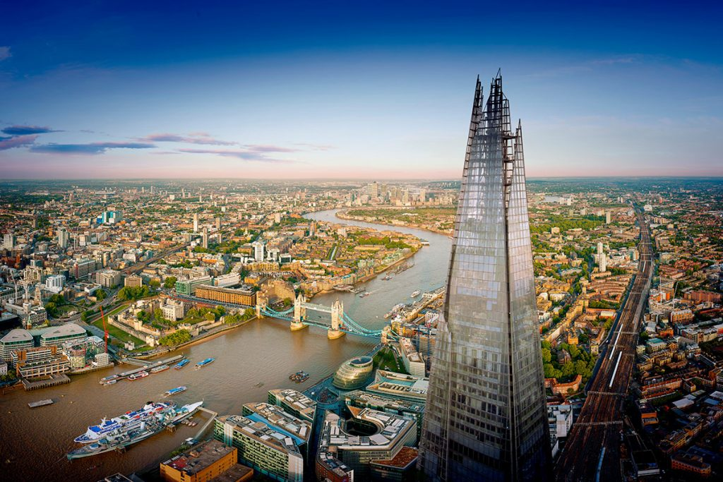 The vertical beauty of London - The Shard