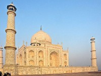 Day tour to Taj Mahal with ReadyClickAndGo