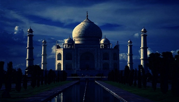 Visit Taj Mahal by Moonlight ReadyClickAndGo