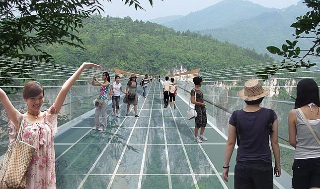 Zhangjiajie Glass Bridge readyclickandgo