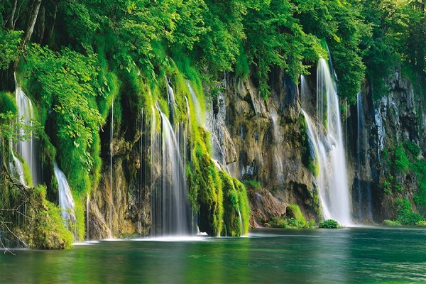 Day tour from Split to Plitvice Lakes
