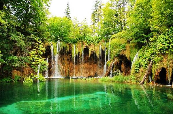 Day tour from Zadar to Plitvice Lakes