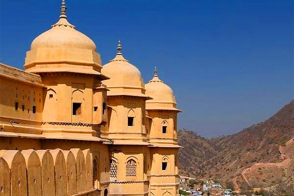 Day_tour_to_Jaipur_ Visit_Amber_Fort_ReadyClickAndGo