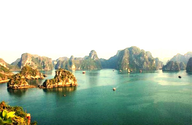 Day_tours_in_Vietnam_Visit_Halong_Bay_ReadyClickAndGo