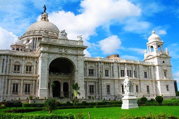 Victoria Memorial in Calcutta, Day tours of India, ReadyClickAndGo