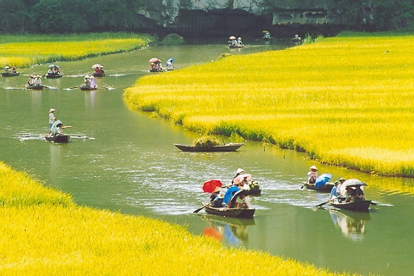 Visit Hoa Lu and Tam Coc from Hanoi, ReadyClickAndGo