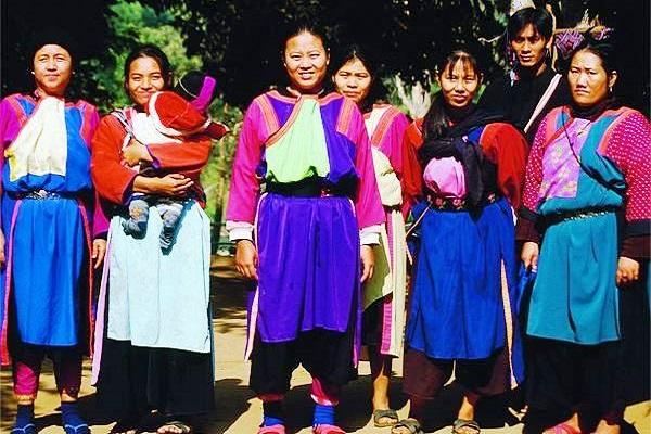 Visit_Karen_Tribe_in_Chiang_Rai_Thailand,_Readyclickandgo