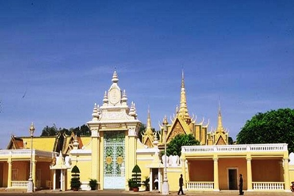 day_tours_in_ Phnom Phen,_readyclickandgo
