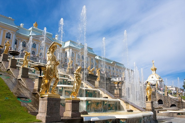 shore_excuriosns_in_st_petersburg_visit_peterhof_readyclickandgo
