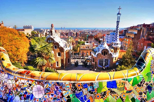 Barcelona - The Best of Gaudi - ReadyClickAndGo